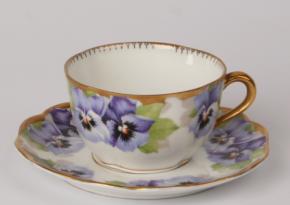 Rosenthal Chrysantheme Viktoria Luise: Teetasse 2-tlg. Ø = 9 cm H = 5,5 cm UT = 15 cm