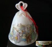 Rosenthal Porzellanglocke 8,5 cm: Weihnachtsglocke - Motiv Striezelmarkt