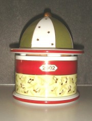 Rosenthal Spieluhr-/dose: 2002 12,5 cm; Melodie: >>Santa Claus is coming Town<<
